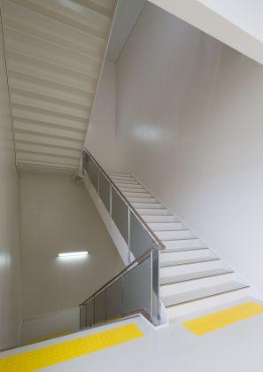 2F階段室