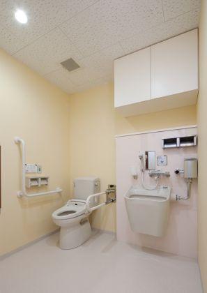 2F 福祉トイレ