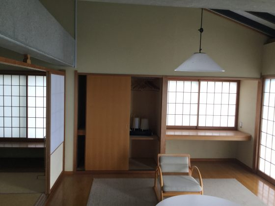 客室① Before